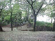 室町期の亥鼻城土塁。神社を兼ねていたか