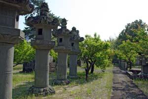 高伝寺の石灯籠