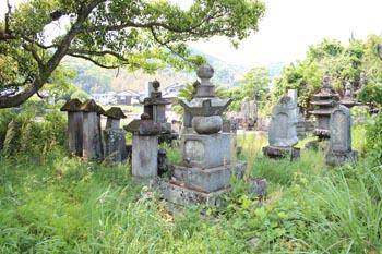 円通寺墓所の鍋島常長墓